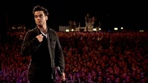Robbie-Williams-Live-at-Knebworth-robbie-williams-3437126-1024-576